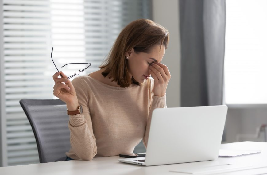Increased Screen Time Sends More People To The Eye Doctor